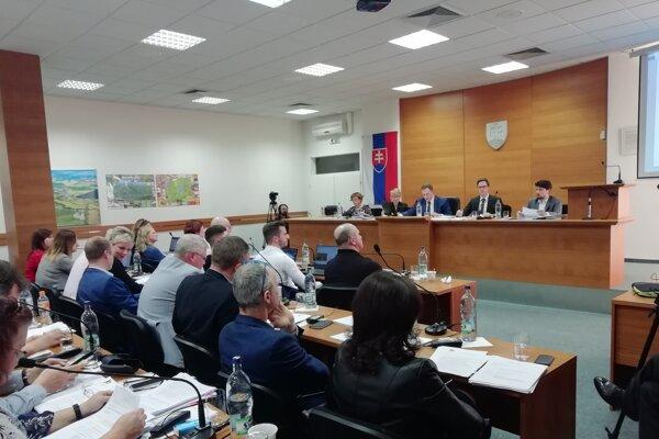 ilustračné foto: zasadnutie mestského zastupiteľstva v Senici