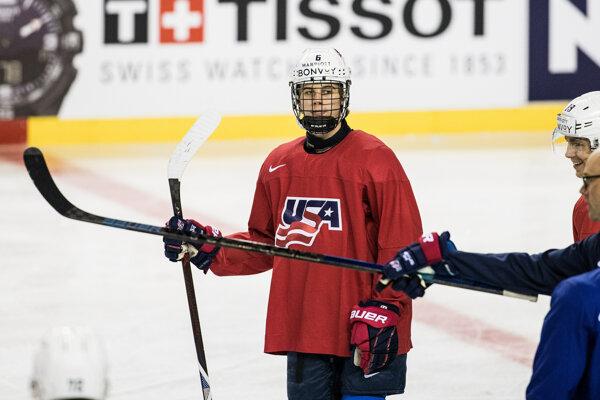 Jack Hughes na tréningu reprezentácie USA.