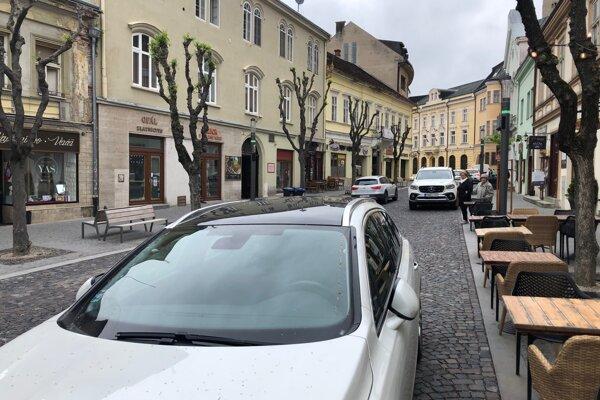 Mierové námestie v Trenčíne.