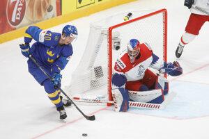 Patrik Bartošák v zápase Česko - Švédsko na MS v hokeji 2019.