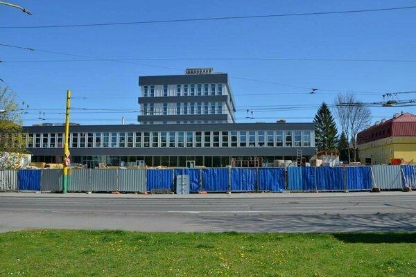 Rekonštrukcia budovy bývalej Makyty.