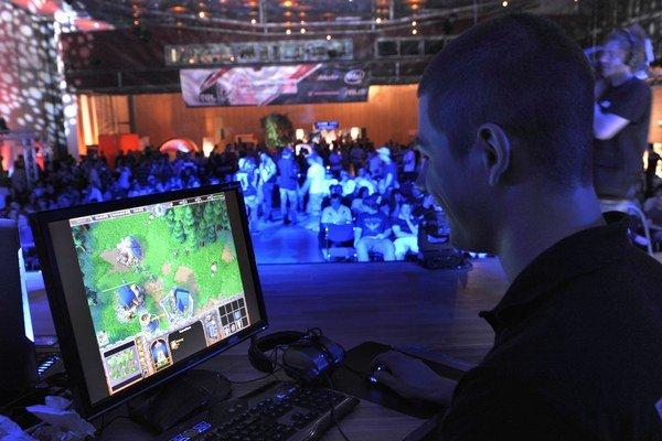 Aj profesionálni hráči video hier majú svoje publikum.