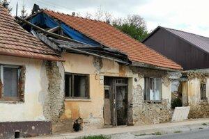 V tomto dome žijú príbuzní poškodeného muža.