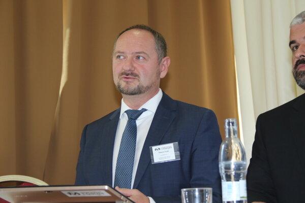 Zsolt Simon na ustanovujúcej schôdzi Maďarského fóra.