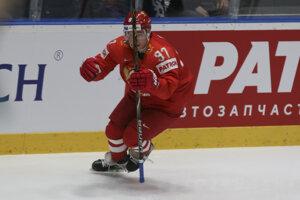 Nikita Gusev oslavuje gól v zápase Rusko - USA na MS v hokeji 2019.