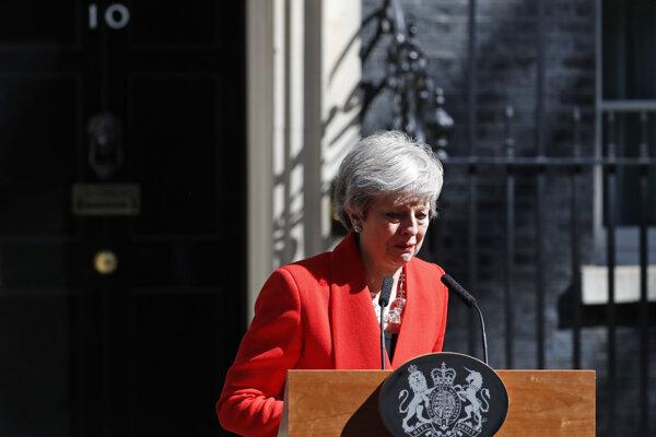 Theresa Mayová v emotívnom prejave.