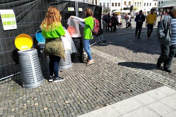 Na Staromestských slávnostiach mohli návštevníci svoj odpad vytriediť.