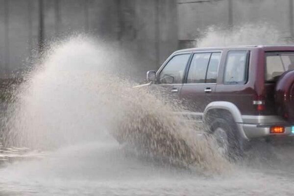 Búrky vyčíňajú na Kysuciach čoraz častejšie.