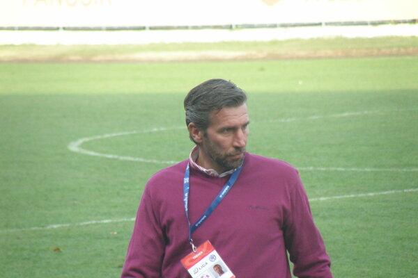 Tréner futbalistov KFC Komárno Jozef Olejník