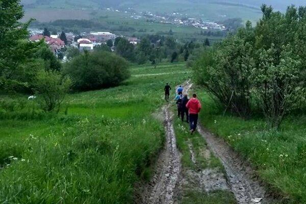 Trať povedie nielen ulicami, ale aj malebnými lúkami a lesmi tunajšej prírody.