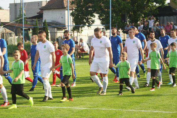 Kolíňany (v bielom) sa stali druhými víťazmi v histórii Campri Cupu.