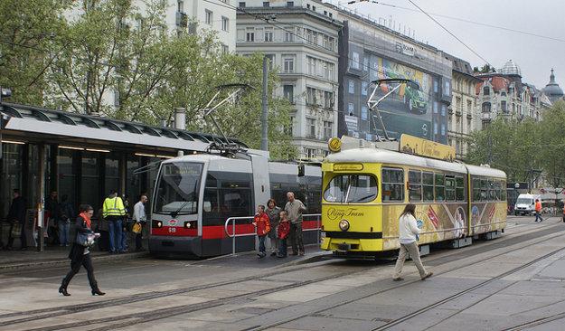 Viedenský mestský okruh sa dá žltou turistickou električkou zvládnuť za 24 minút.