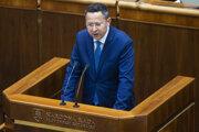 Na snímke minister financií SR Ladislav Kamenický počas rokovania 46. schôdze Národnej rady SR 18. júna 2019 v Bratislave.
