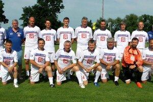 Mužstvo Československý lev nastúpilo s mnohými známymi tvárami.