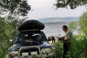 Kontrola áut pri Oravskej priehrade.