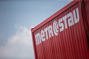 Práce vykonáva spoločnosť Metrostav.