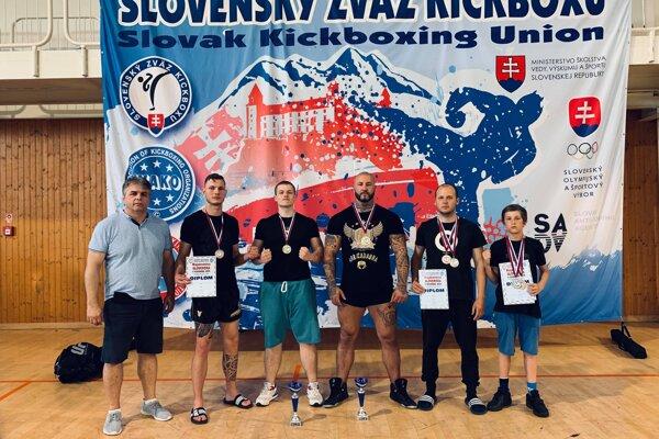 Fortis. Zľava: Peter Baláž St., Attila Garamszeghy, Marek Ťavoda, Peter Dudo Baláž, Radovan Nagy a Patrik Bača.