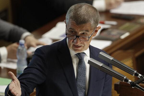 Andrej Babiš zostáva českým premiérom.