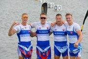Slovenskí reprezentanti v rýchlostnej kanoistike v zložení sprava Samuel Baláž, Erik Vlček, Adam Botek a Csaba Zalka v cieli pretekov na 500 metrov K4 na II. Európskych hrách v Minsku 2019.