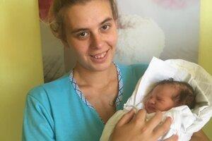 Lara Androvičová (2900 g, 47 cm) sa narodila 17. júna Betine Androvičovej a Gabrielovi Horváthovi zo Šaroviec.
