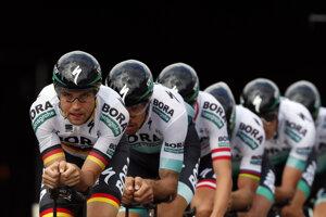 Cyklisti z Bora-Hansgrohe pred druhou etapou 106. ročníka Tour de France 7. júla 2019 v Bruseli.