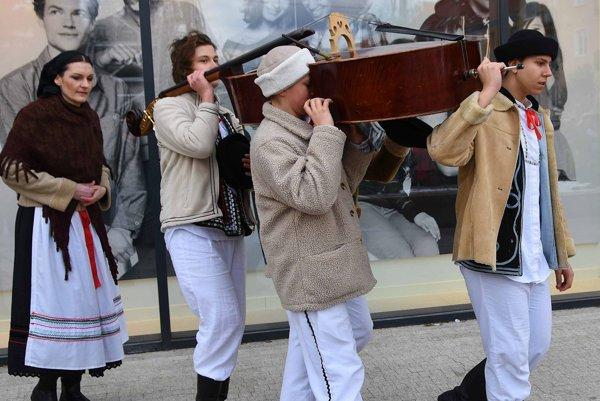 Pochovanie basy vždy znamenalo koniec zábav a začiatok pôstu.
