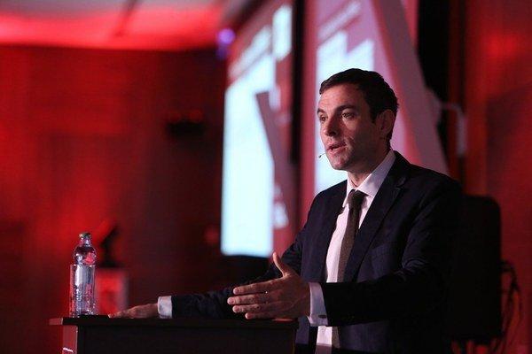 Marco Gercke je právnik zameriavajúci sa na kyberzločin. Pôsobil ako poradca pre boj s terorizmom na internete pre NATO a OSN a ako bezpečnostný konzultant štátnych organizácií. Pôsobí na Oxforde, do Bratislavy prišiel na pozvanie firmy Tempest.