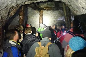 Štôlňu, nazývanú aj iontový tunel, vyhľadávali desiatky ľudí. Lekárka radí byť opatrný.