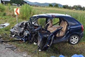 Z áut zostali len kopy šrotu.
