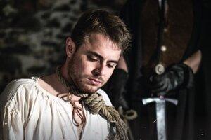 Divadelné predstavenie Slepá spravodlivosť odohrajú v Leviciach 27. júla.