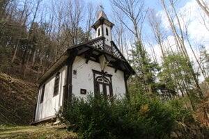 Drevený kostolík v Korytnici
