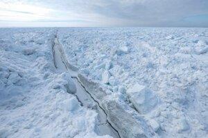 Zlom v lade v Severnom ľadovom oceáne za aljašským Utqiagvikom.