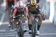 Caleb Ewan (vľavo) a Dylan Groenewegen v záverečnom šprinte 11. etapy Tour de France 2019.