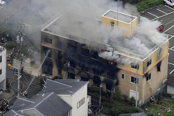Požiar v štúdiu animovaného filmu v japonskom Kjóte.