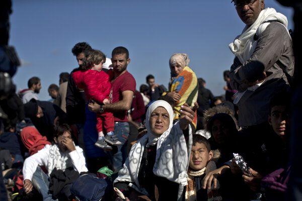 Budúci noví Európania masovo prechádzali v roku 2015 cez Maďarko, kým krajina neprijala opatrenia v rámci stavu núdze.