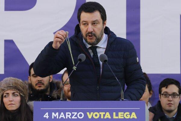 Matteo Salvini na predvolebnom mítingu v Miláne vo februári 2018.