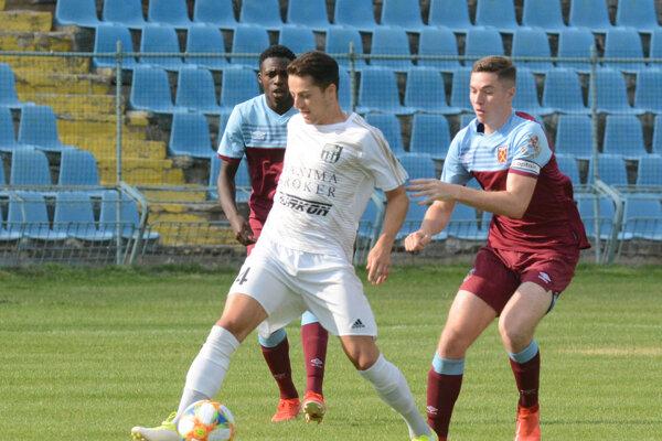 Kamil Karaš popri futbale študuje na vysokej škole právo.