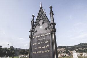 Hrob továrničky Johanny Gyürkyovej