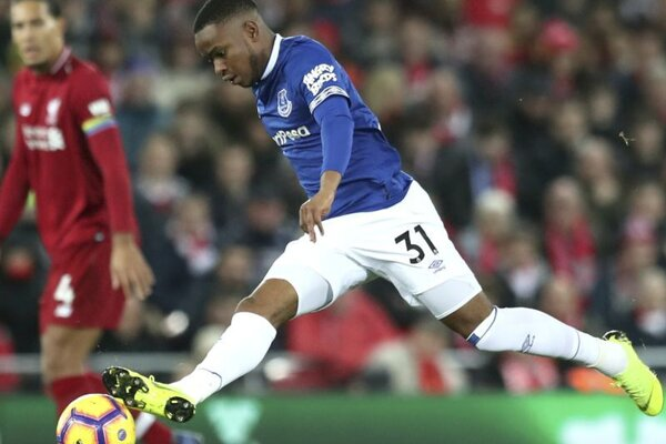 Ademola Lookman v drese Evertonu