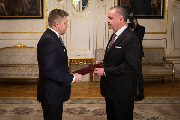 Prezident Andrej Kiska (vpravo) je nadôveryhodnejším politikom.
