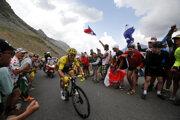 Líder celkového poradia Julian Alaphilippe počas stúpania na Galibier v 18. etape na Tour de France 2019.