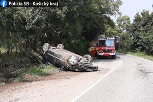 Zranenie vodiča si vyžiadalo jednorazové ošetrenie.