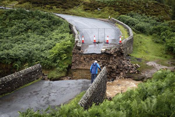 Strhnutý most pred obcou Grinton, súčasť trasy na MS v cyklistike 2019.