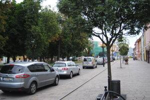 Sabinov - parkovanie na námestí.