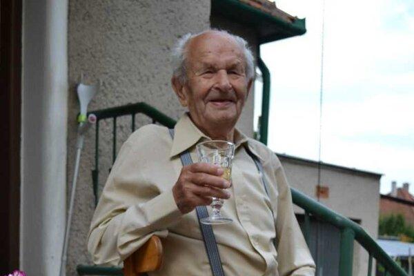 Na zdravíčko, Pavol Matejovič oslávil 100. narodeniny.