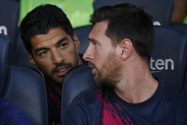 Lionel Messi (vpravo) a Luis Suárez.