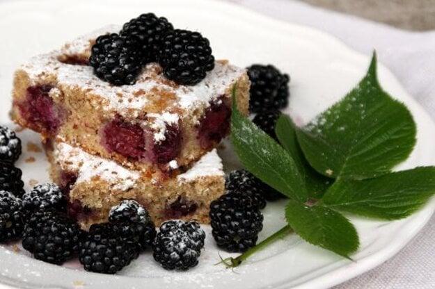 Černicovo-mandľový koláč