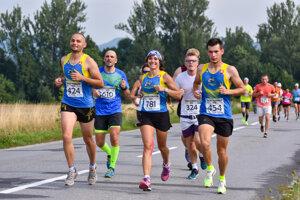 Rajecký maratón je výnimočný svojou trasou, ktorá vedie malebnou Rajeckou dolinou.