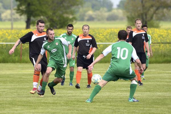 Liga v okrese pokračovala druhým kolom.