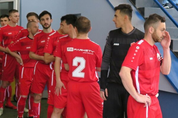 Futbalisti Bobrova inkasovali v Makove až sedem gólov.